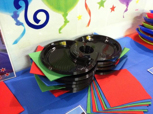 Piatti di plastica colorati per feste di Compleanno, Antipasti e Buffet