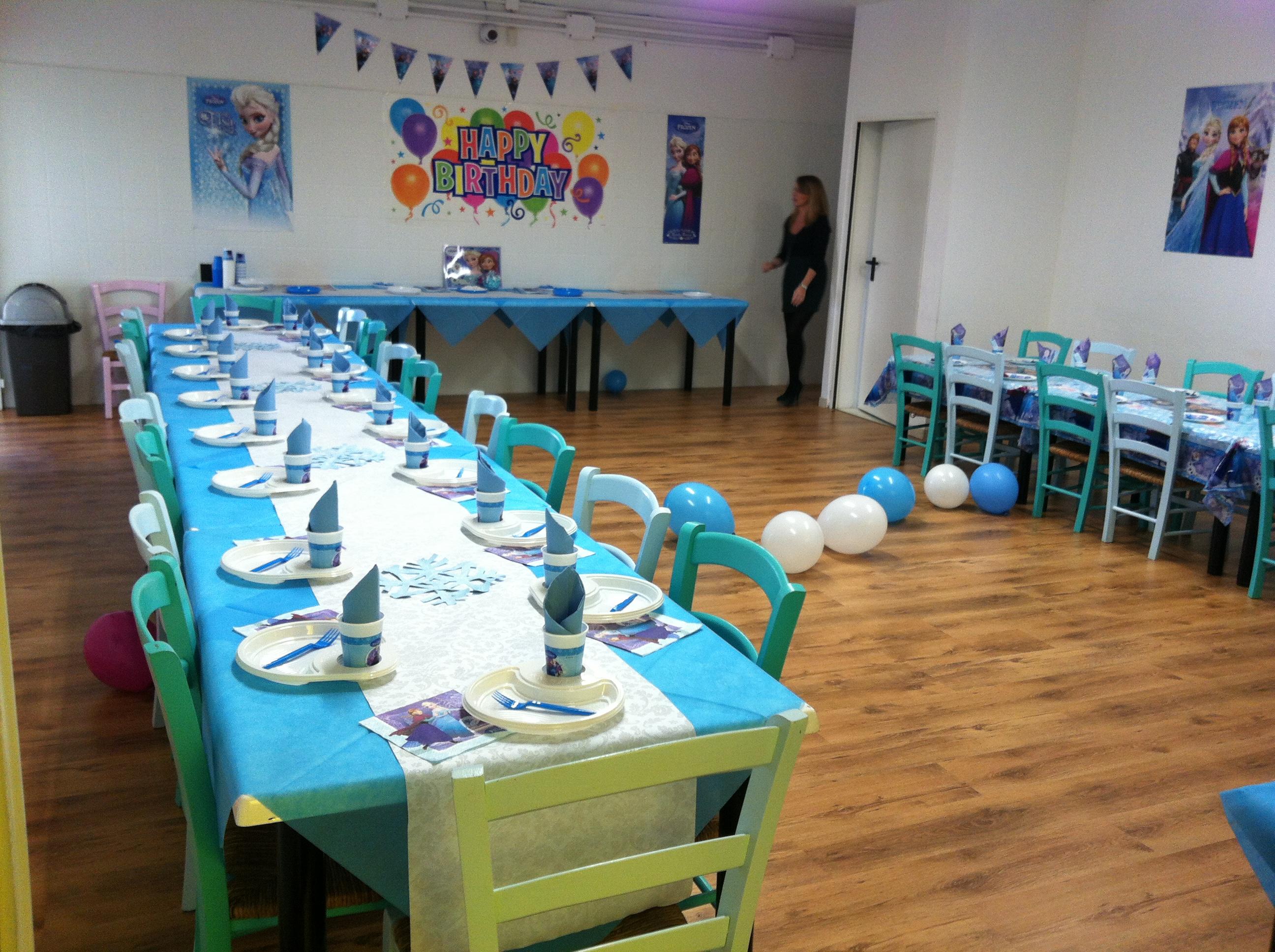 Festa di compleanno al nemo diglass il piatto portabicchiere for Piatti e bicchieri per feste bambini