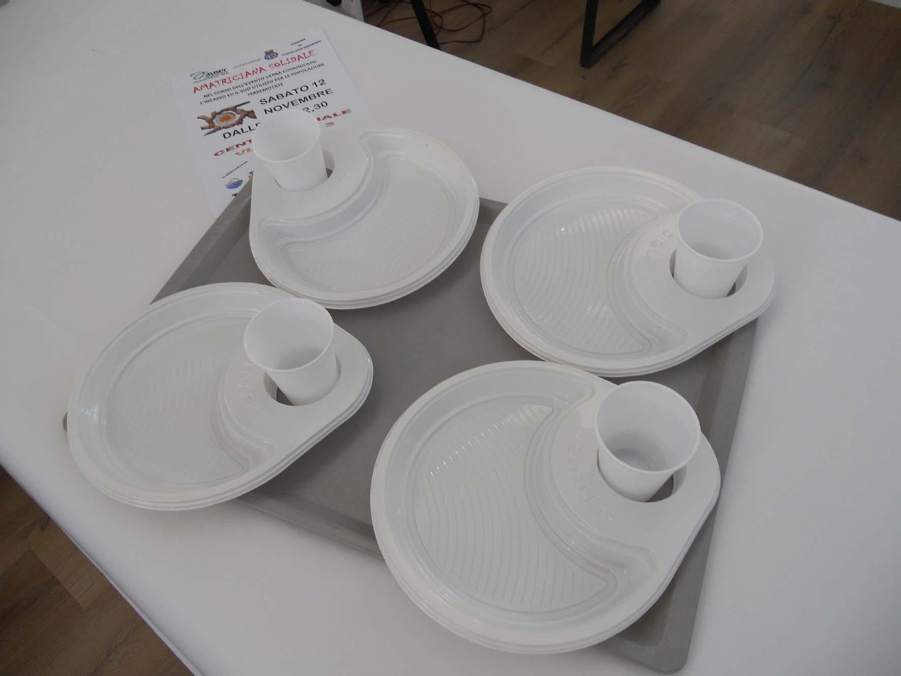 piatti usa e getta ideale per lo street food, catering e meeting